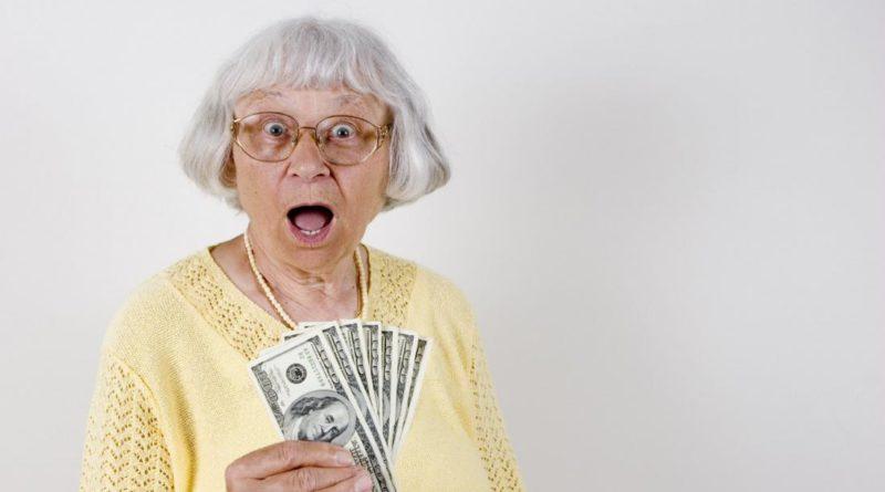 Почему деньги называют бабками